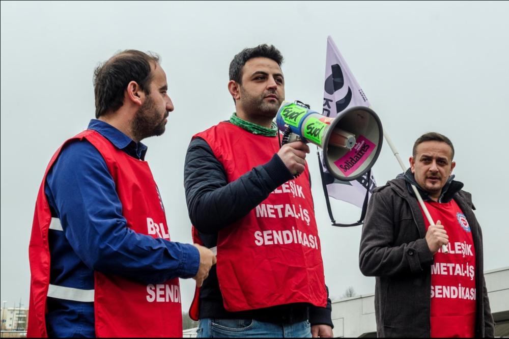 Les camarades de Renault Bursa au Technocentre